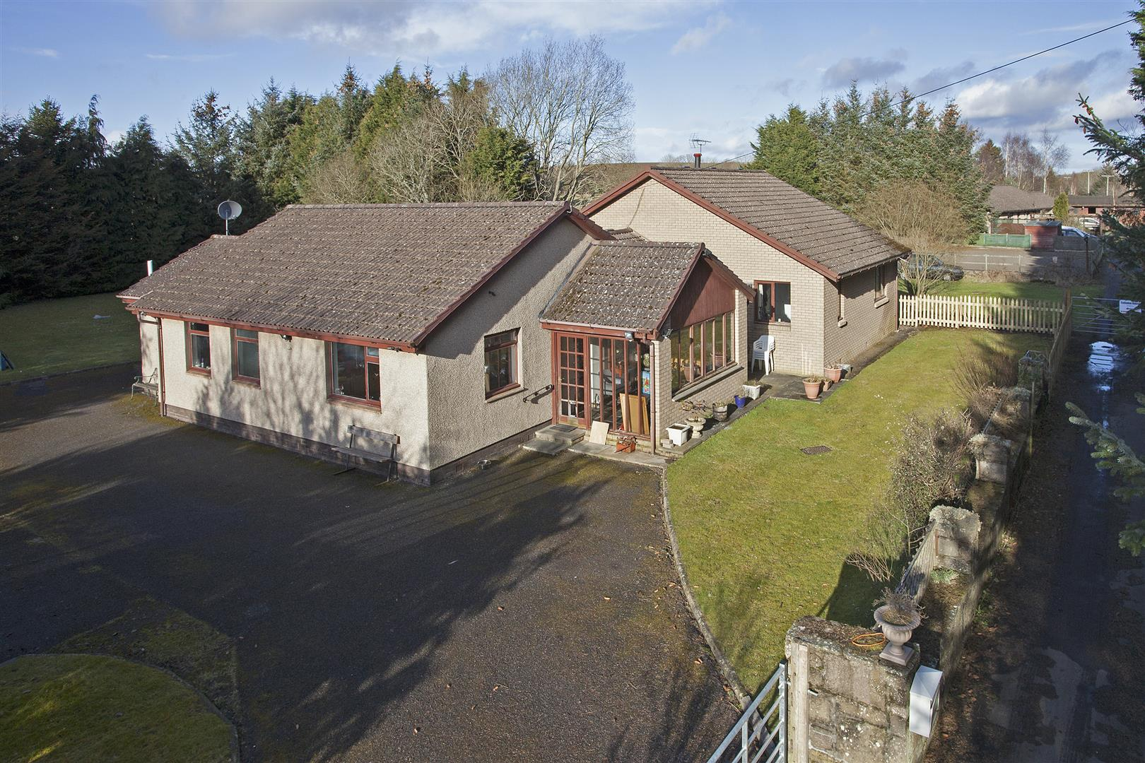 Six Acres, Stanley, Perthshire, PH1 4NW, UK